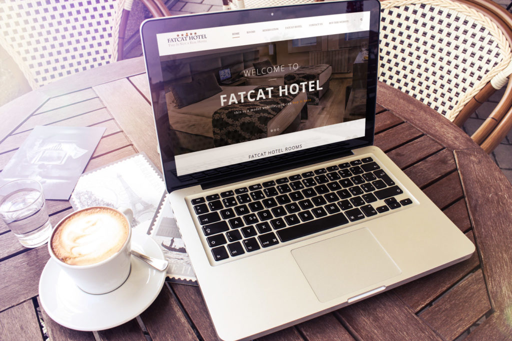 hotel room reservation with booking system: 750€
